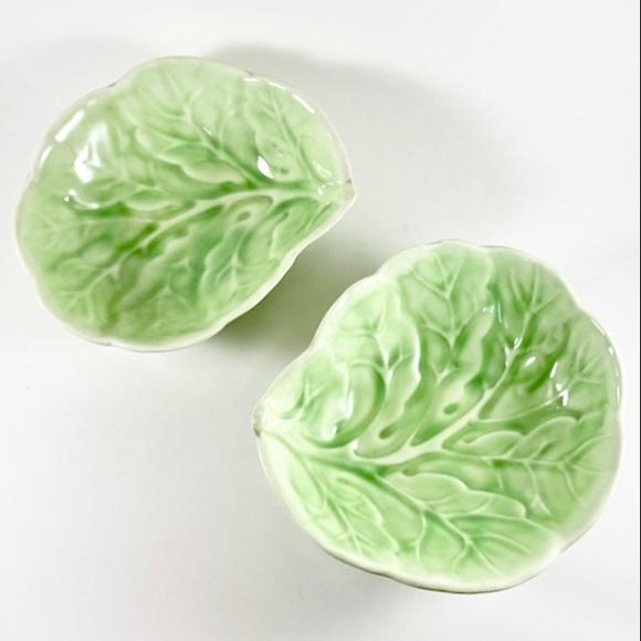 Pair of vintage 1977 lettuce bowls